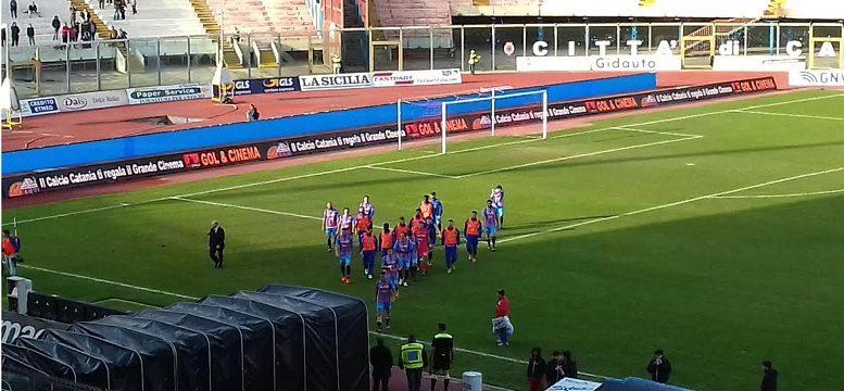 Catania sconfitto e contestato addio 6 posto applausi for Mondo catania